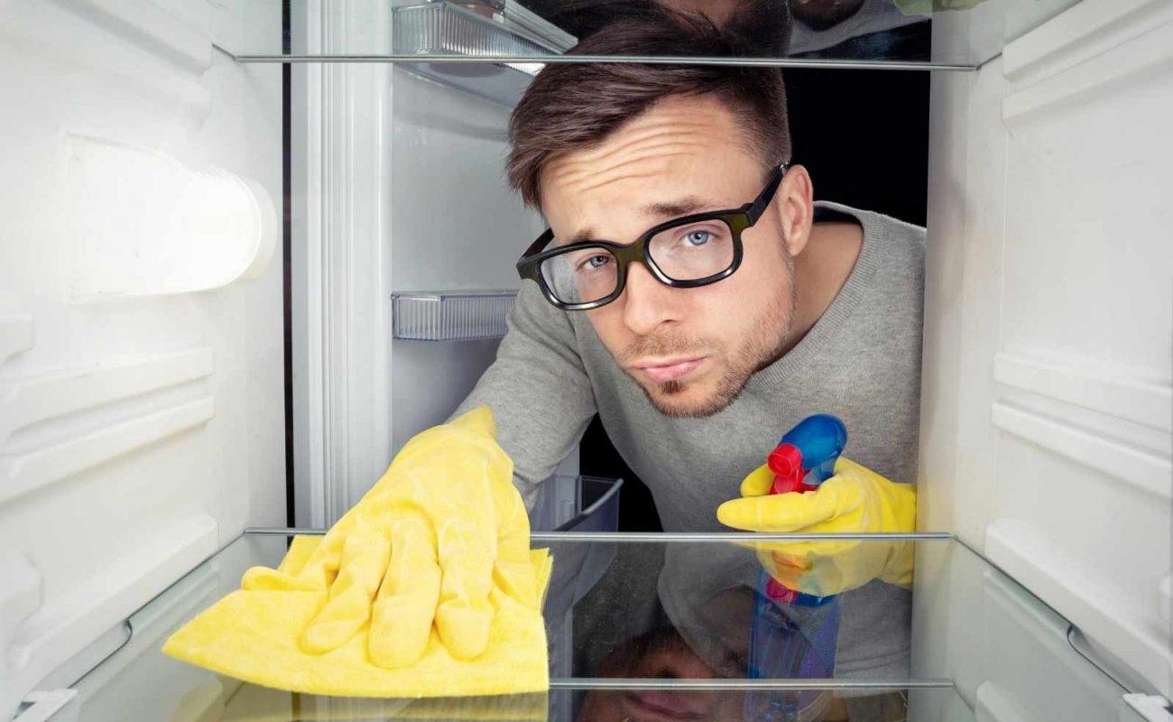 Kühlschrank ohne Ausschalten reinigen