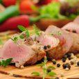 Niedrigtemperatur-Garen: Schweinefilet rosa gebraten mit Rezept