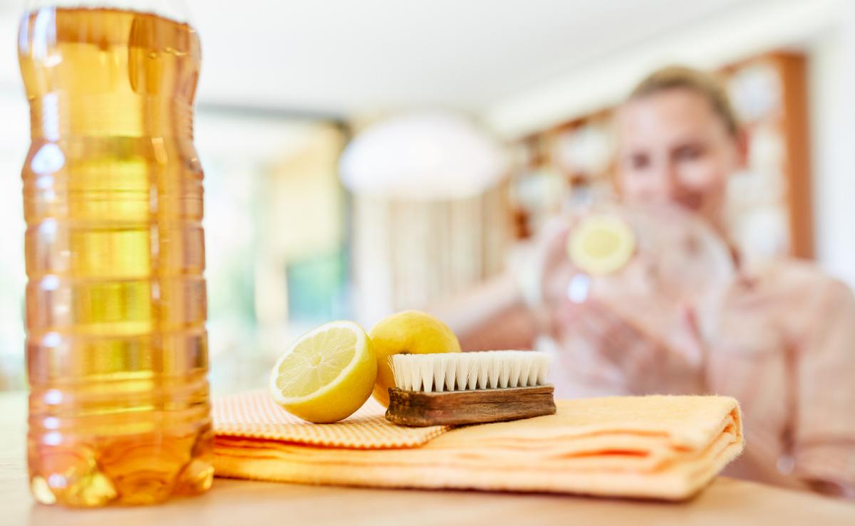Kühlschrank mit Hausmitteln reinigen