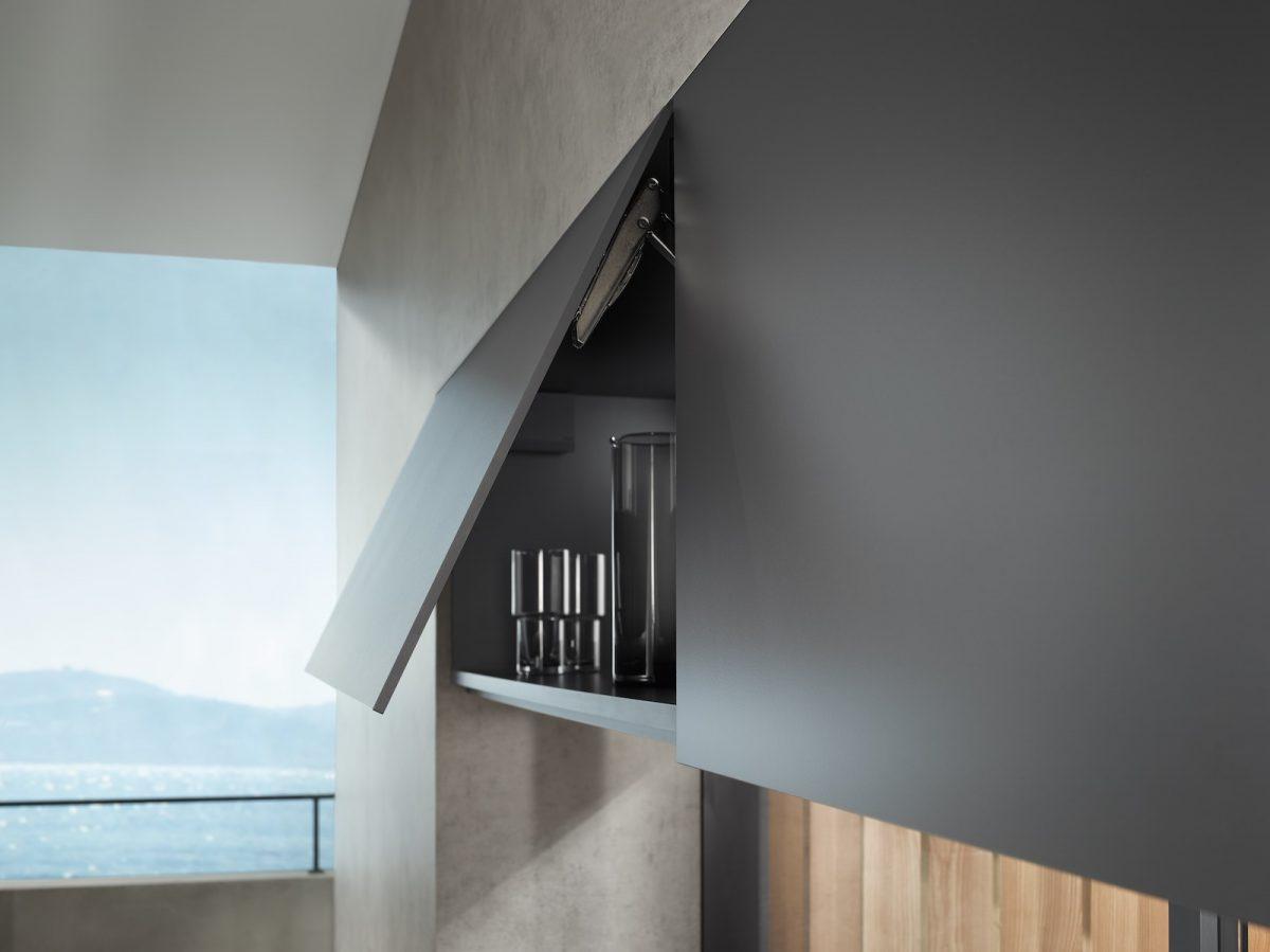 Küchen mit dünnen Fronten in außergewöhnlichen Materialien liegen stark im Trend. Foto: Julius Blum GmbH