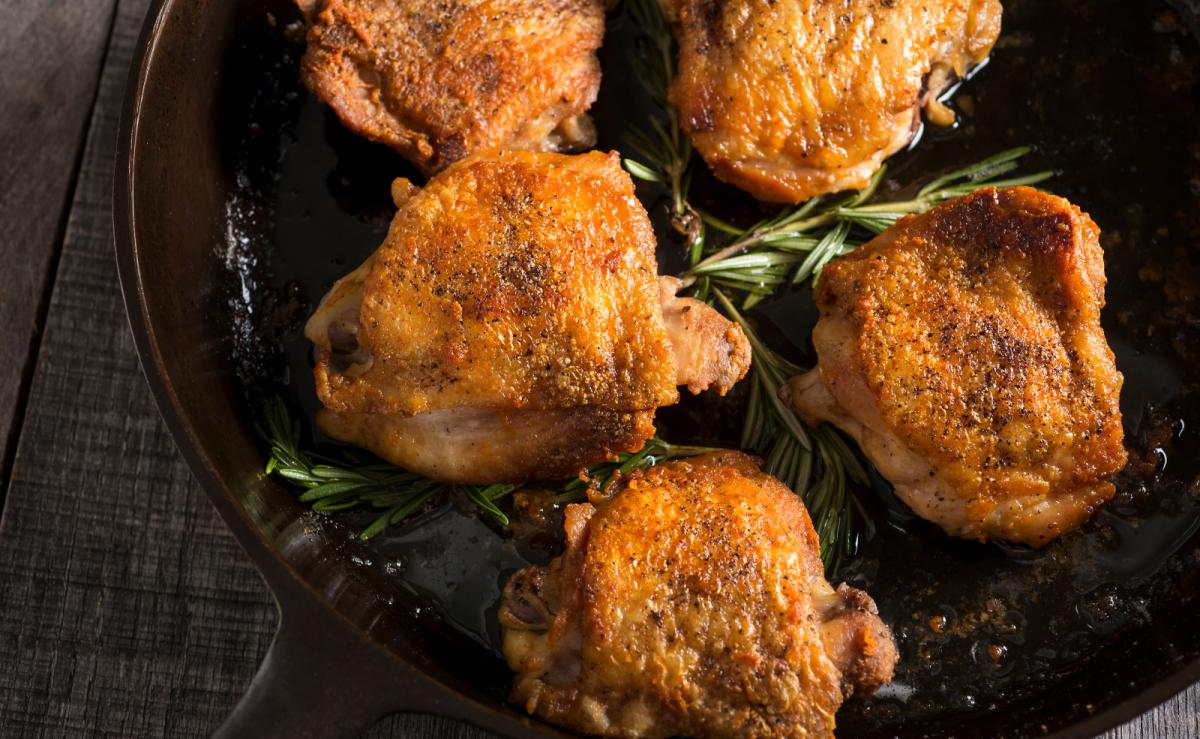 Hähnchenschenkel richtig im Ofen garen