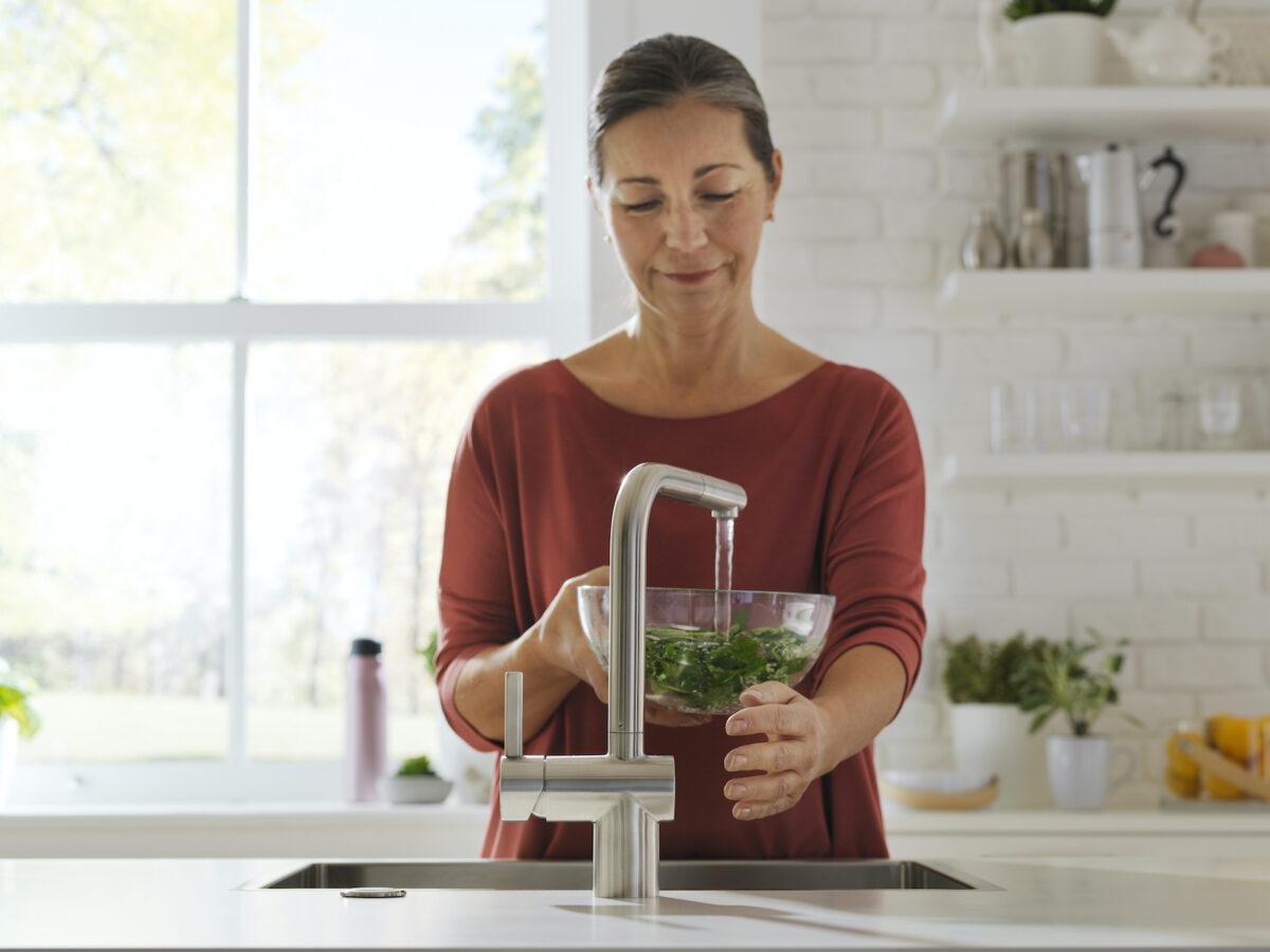 Die berührungslose Armatur von Franke verspricht nicht nur eine einfache Handhabung, sondern auch ein umweltschonender Umgang mit Ressourcen. Foto: Franke GmbH