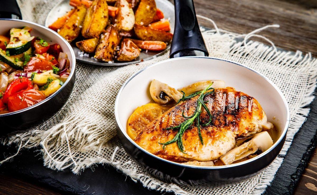 Hühnerbrust mit Ofengemüse & Kartoffeln