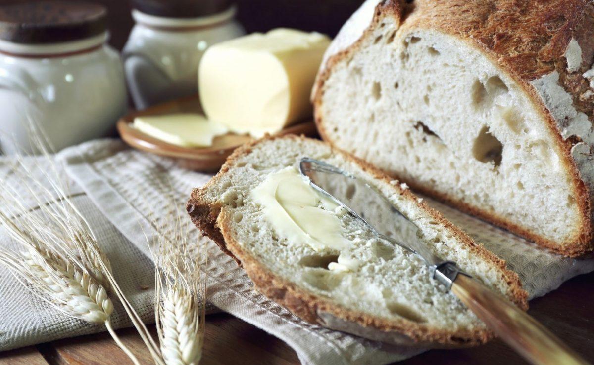 Perfekte Kombination: Sauerteigbrot mit Butter