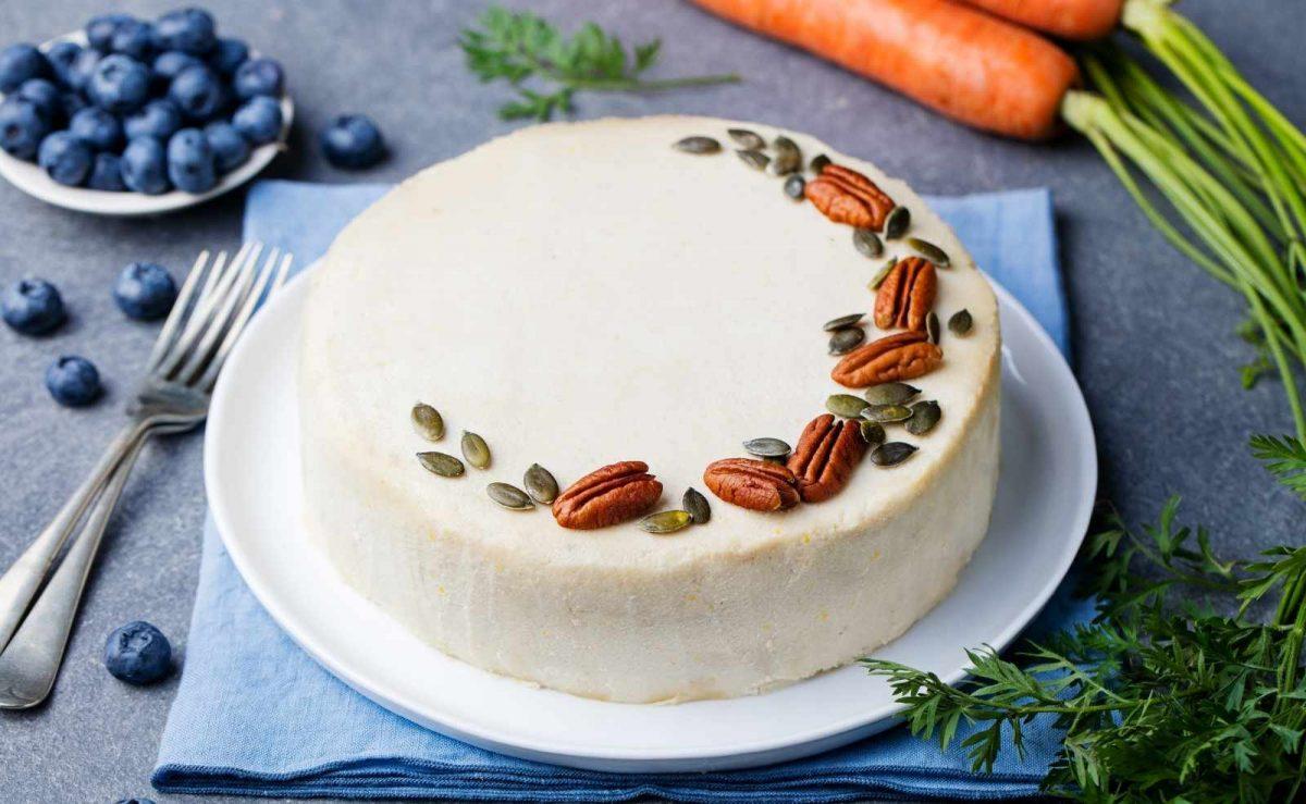 Low Carb Kuchen: Karottenkuchen mit Mandelmehl