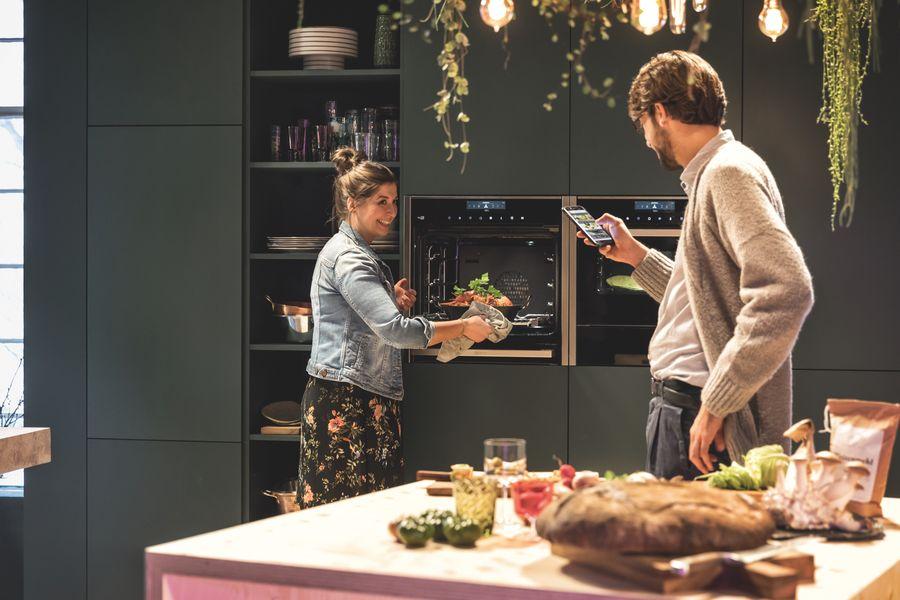Moderne Backöfen besitzen Automatikprogramme für leichteres Kochen. Foto: Neff