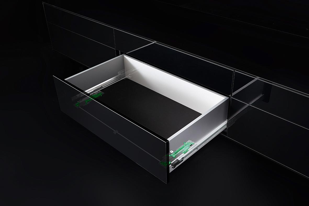 Tipmatic Soft-Close kombiniert zwei innovative Komfort-Systeme von GRASS. Foto: GRASS