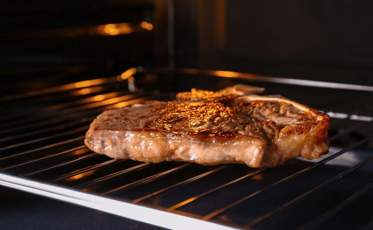 Im richtigen Backofen lässt sich selbst ein Steak grillen