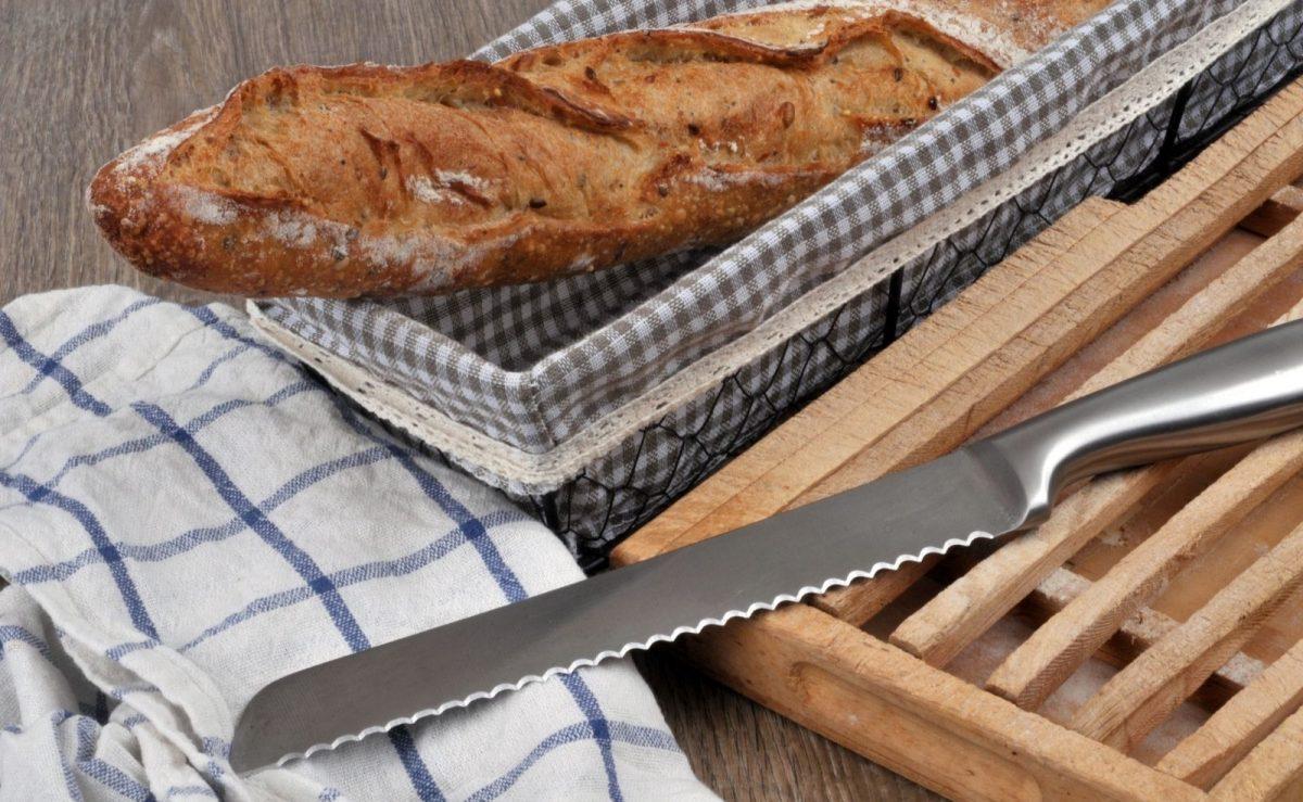 Ein Brotmesser darf in keiner Küche fehlen