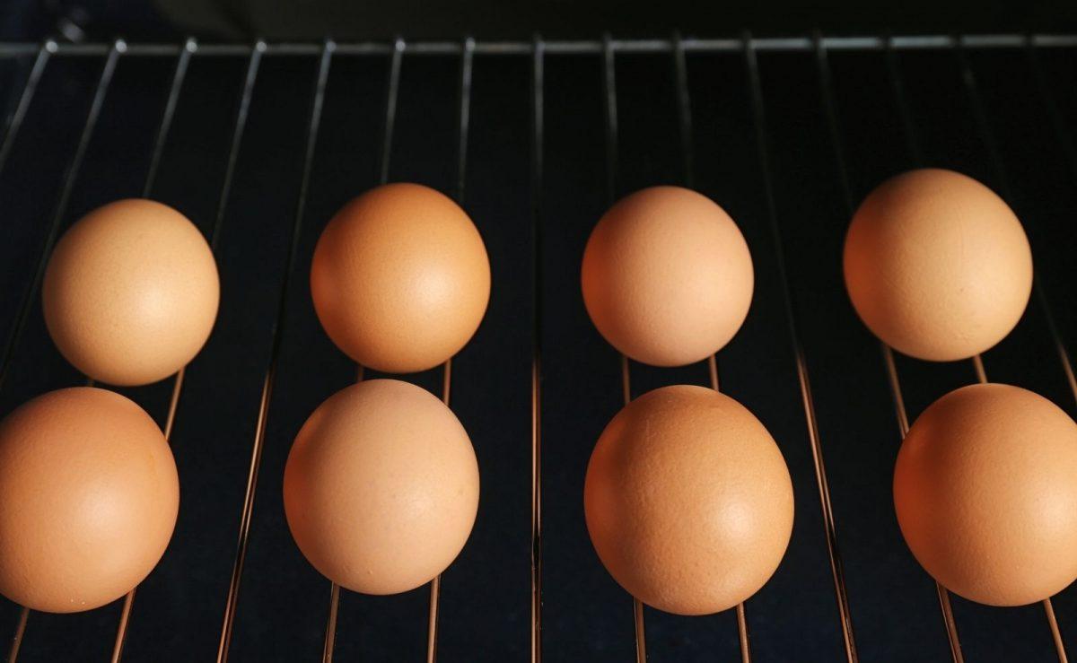Eine ganz besondere Methode zur Zubereitung für das Frühstücksei bietet der Backofen.