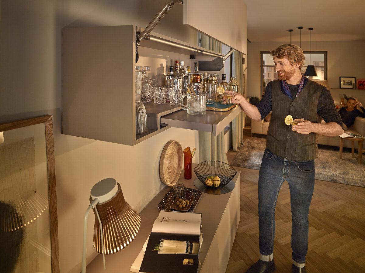 Gönn' deiner Küche oder z.B. deiner Bar im Wohnbereich ein Upgrade mit einem komfortablen Tablar.
