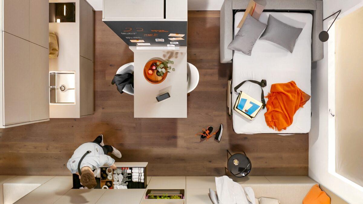 Ideen für das Wohnen auf kleinstem Raum bietet dir Blum auf www.blum-inspirations.de