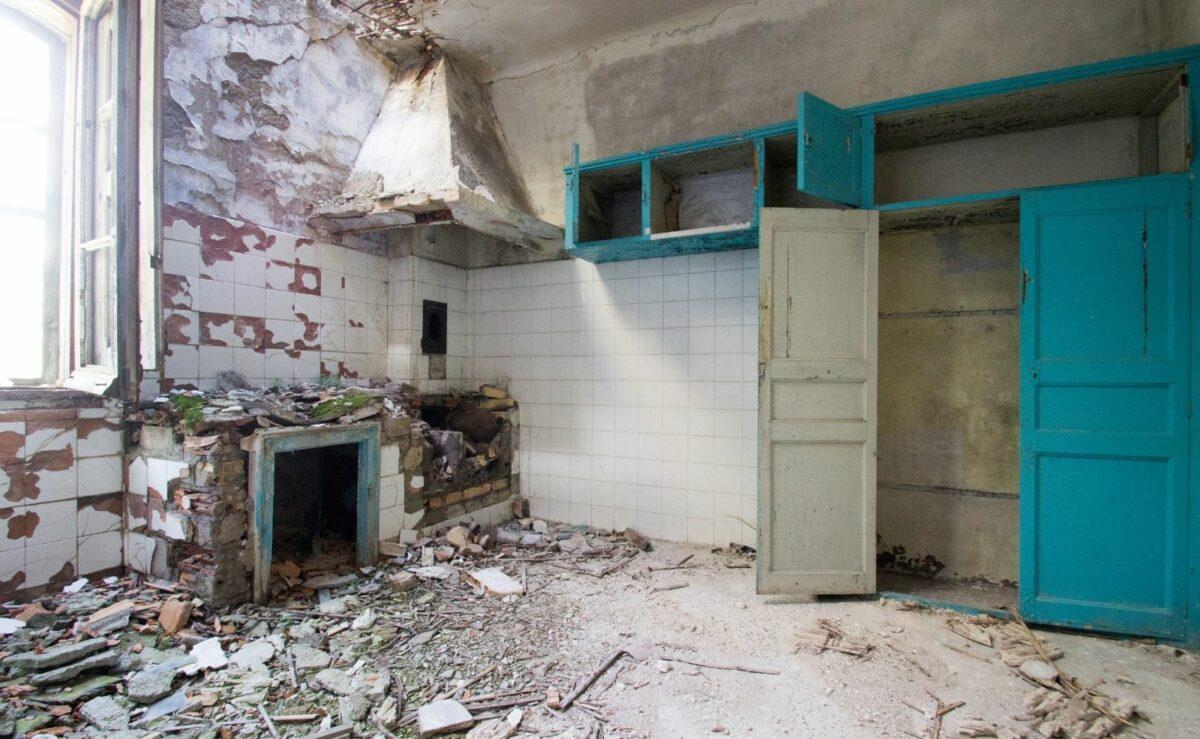 Die Entsorgung der alten Küche ist eine Sonderleistung im Küchenstudio