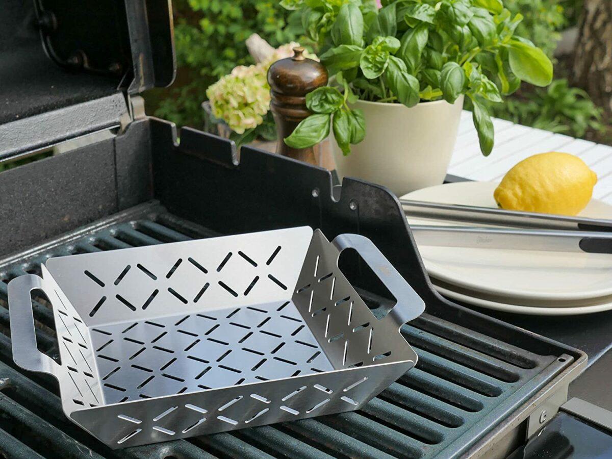 Eine Grillschale aus Edelstahl kann auch ohne Probleme im Backofen verwendet werden. Foto: Steuber