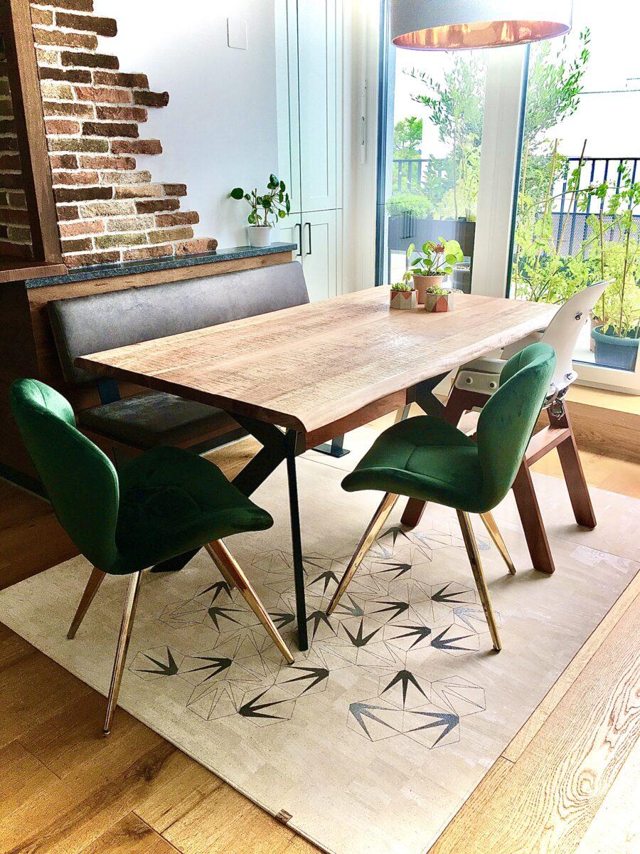Jeder Teppich ein Unikat: CLARISSAKROK hat sich auf Maßanfertigungen spezialisiert. Foto: CLARISSAKORK