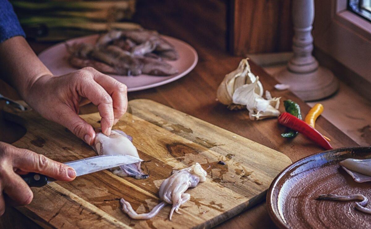 Tintenfisch richtig vorbereiten und putzen