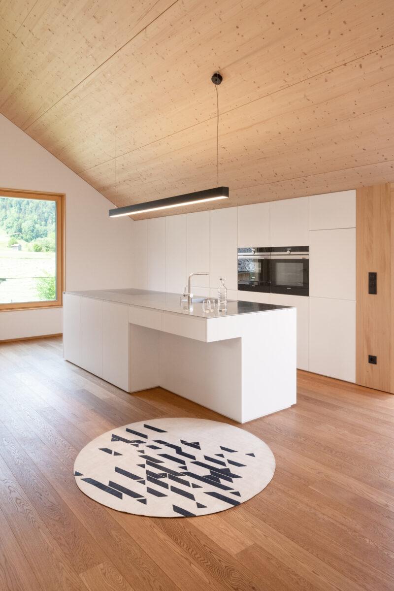 Die Korkteppiche von CLARISSAKORK sind nicht nur in Puncto Design ein Highlight in der Küche. Foto: CLARISSAKORK