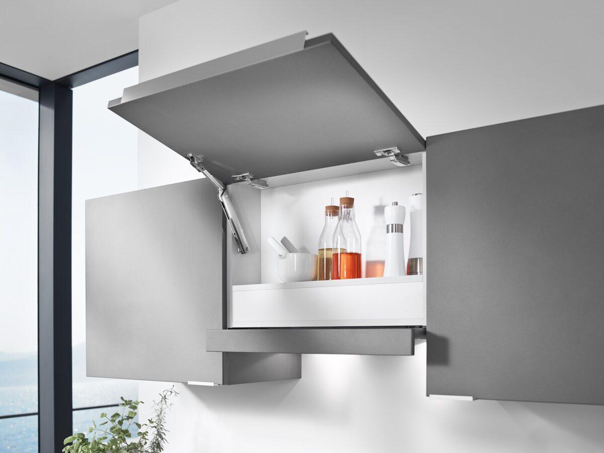 Auch im Oberschrank findet AVENTOS HK-XS seine Anwendung bei geringer Tiefe. Foto: Julius Blum GmbH